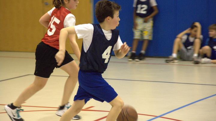 Basketball: Skills and Drills (Child 6-8)